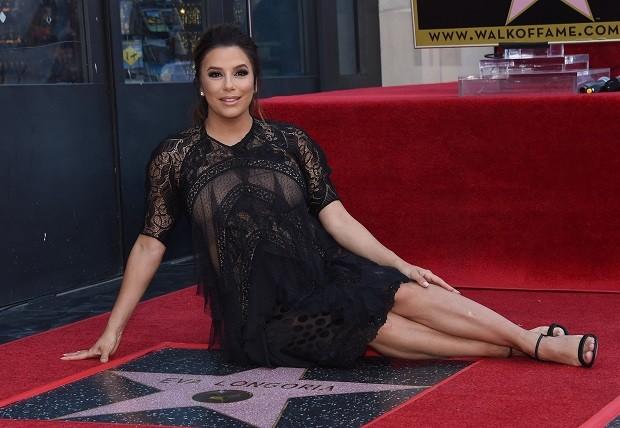 Eva Longoria ganha estrela na Calçada da Fama de Hollywood
